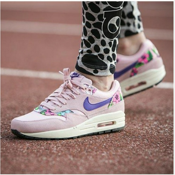 buy online 0f35e 30b1a ⏬$50 Nike Air Max 1 size 11 Pink Aloha Pack Print.  M_5b75b6c734a4ef4206a82db5